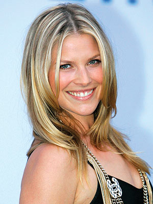 Ali Larter's formal prom hairstyle