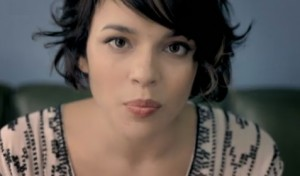 "NORAH JONES' ""CHASING PIRATES"" VIDEO"