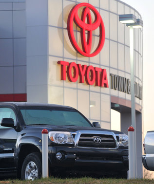 More problems for Toyota: Pedal problem Lawsuits