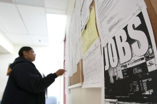 Number of people filing first-time claims for unemployment benefits sank 21,000 in the latest week to a still-high 454,000, maintaining  recent see-saw pattern