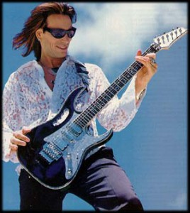 Steve Vai and BerkleeMusic.com Attempt World Record for Largest Online Guitar Lesson
