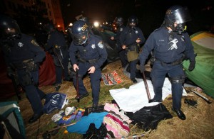 Police Attack Occupy Oakland Protestors With Tear Gas And Flash Grenades