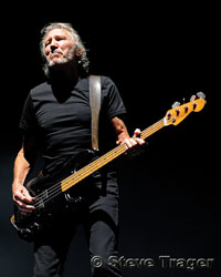 Roger Waters Performs the Brilliant Master Piece The Wall – Concert Review