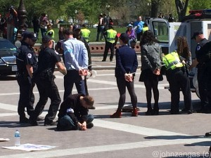 Capitol Police arrest Democracy Spring protesters./Photo by John Zangas